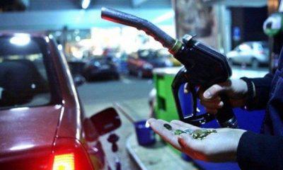 Cât vor costa carburanţii în 2020. Legile eliminării supraacizei şi supraimpozitării contractelor part-time, promulgate