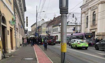 Accident în centrul Clujului. O femeie a fost lovită de un autobuz