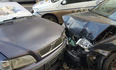 Accident cu 5 mașini pe Fabricii. Șoferului i s-a făcut rău la volan