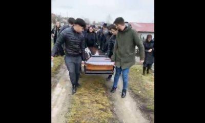 Lacrimi și durere! Tânărul de 22 de ani care a murit în accidentul de pe Horea a fost înmormântat