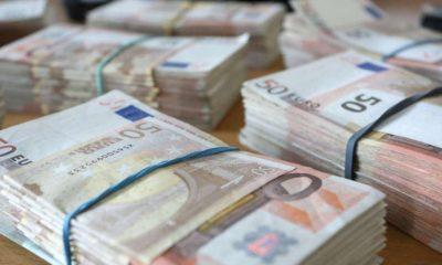 Tranzacții cu bani falși la Cluj. Două persoane au fost reținute