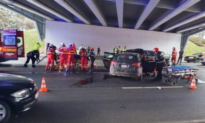 Accident cu victime sub podul N. Una dintre mașini, cu numere de USA/Trafic blocat