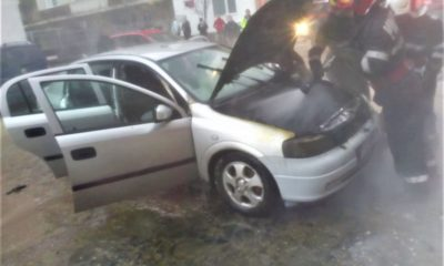 O mașină a luat foc lângă o conductă de gaz, în apropierea unui bloc din Florești