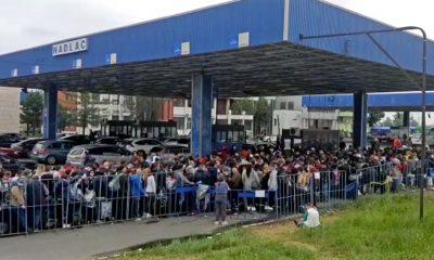Graniţa româno-ungară poate fi traversată din această dimineaţă prin zece puncte de trecere, 24 de ore din 24