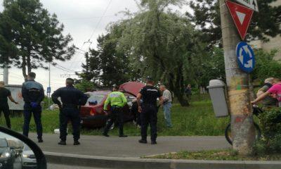 Ieșire în decor, în sensul giratoriu de pe Calea Mănăștur / Două persoane rănite