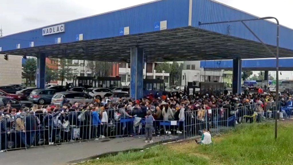 Mii de persoane care au intrat în ţară în ultimele 24 de ore, trimise direct în carantină