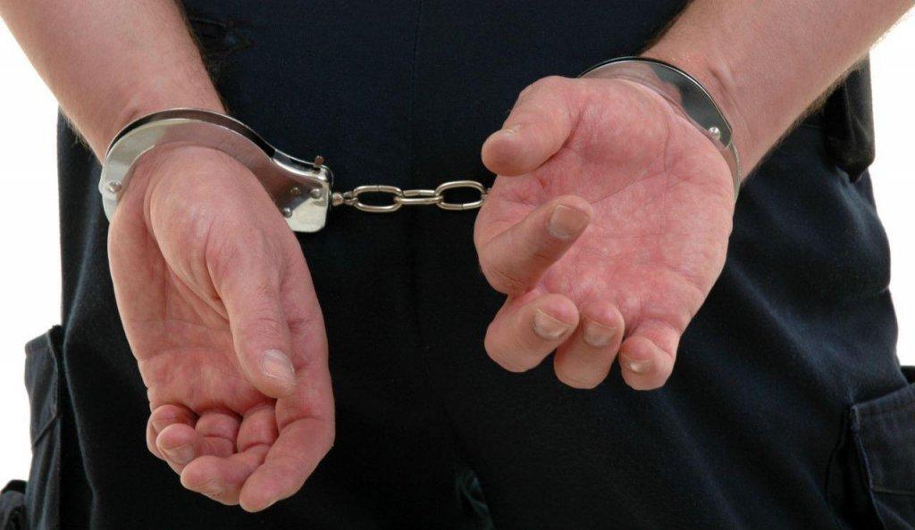 Scandal la Cluj. În arest, după ce a înjurat o femeie și a lovit mașina poliției
