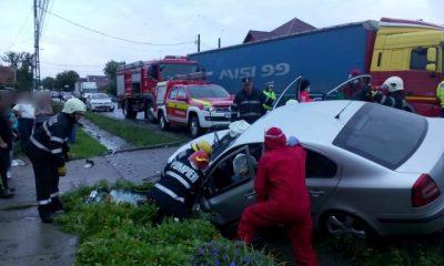 Un șofer a intrat într-un cap de pod la Cluj