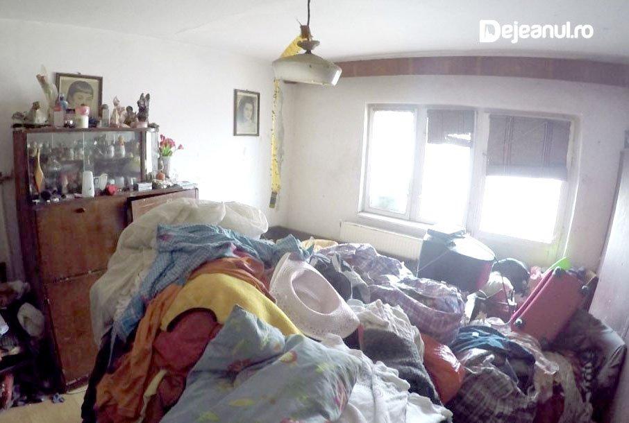 Cum arată casa din Dej, în care un copil de 9 ani era mâncat de viermi şi putrezea de viu lângă trei adulţi