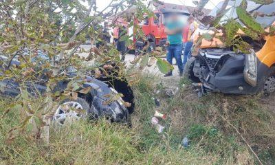 Accident cu răniți în Tureni. Un șofer de 71 de ani a intrat într-o autoutilitară
