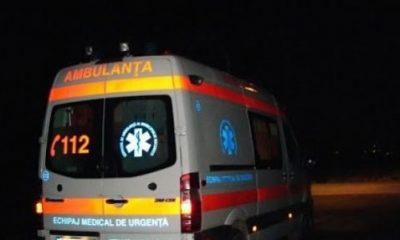 Accident cu răniți la Cluj. Mașină răsturnată, după ce un șofer de aproape 70 de ani a întors pe linia continuă
