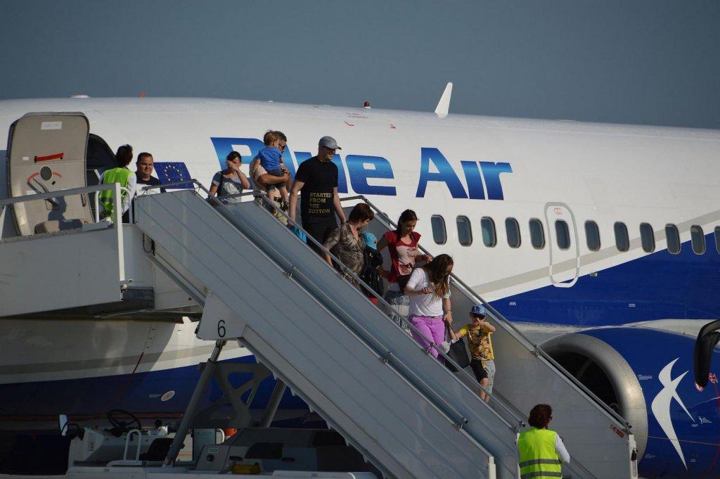 """Client Blue Air cu biletul anulat de pandemie: """"Ne cred mai proşti probabil"""""""