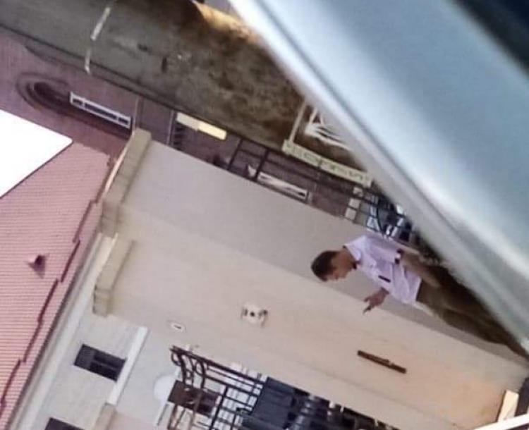 Fetiță, abordată de un bărbat suspect în centrul Clujului. Mama intervine, individul are chef de glume