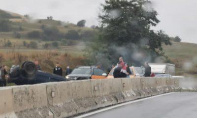 Trafic blocat pe Cluj-Turda. O mașină s-a dat peste cap