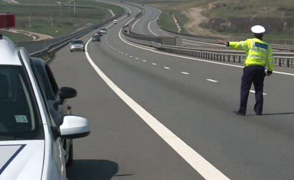 """Vitezomani prinşi pe autostrada de lângă Cluj. Unul """"zbura"""" cu 225km/h"""