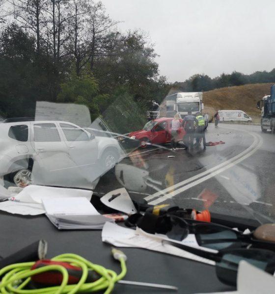 Accident mortal pe Cluj-Oradea: Un șofer s-a izbit de un TIR