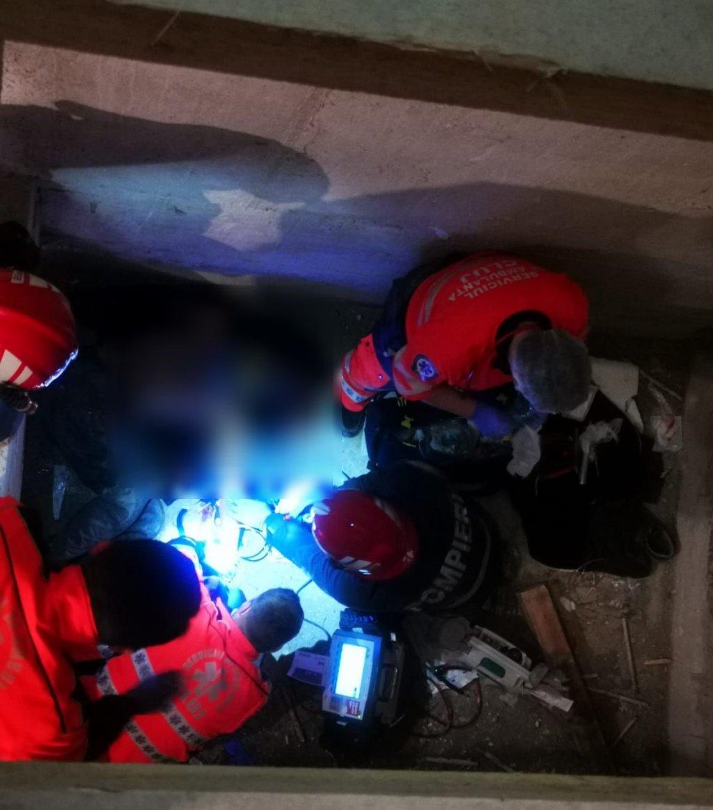 Bărbat căzut în puțul unui lift la Cluj-Napoca