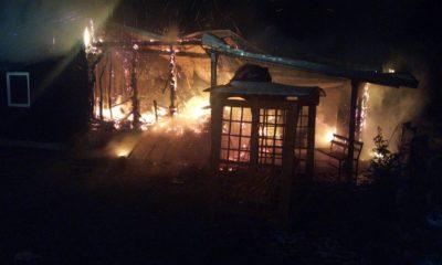O cabană a fost mistuită de flăcări astă noapte în judeţul Cluj
