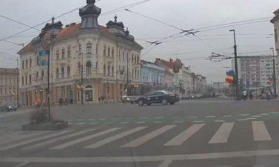 Putea fi ultima cursă! Ce a pățit un taximetrist intrat pe roșu într-o intersecție din Cluj