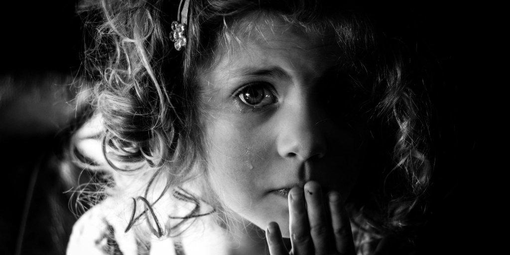 Studiu: 1 din 5 copii din România nu e fericit