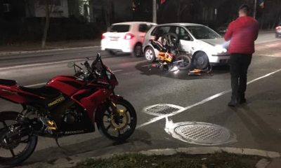 Accident pe Titulescu. Impact  între o mașină și o motocicletă