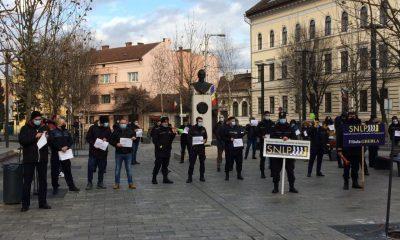 Proteste la Cluj. Polițiștii reacționează la anunțul lui CÎțu de a îngheța salariile