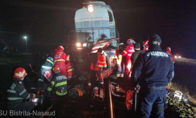 Un bărbat a murit şi două fetiţe au ajuns în stare gravă la spital. Autoturismul lor a fost lovit de un tren care circula pe relaţia Lunca Ilvei - Cluj