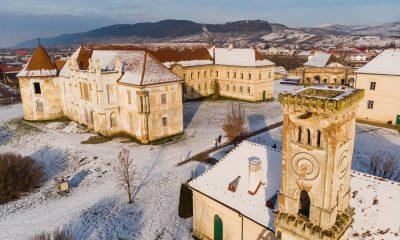 Cum arată iarna Versailles-ul Transilvaniei