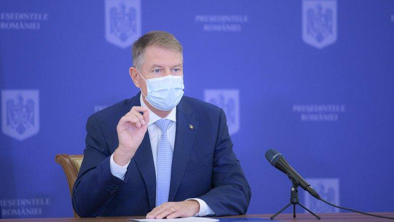 Klaus Iohannis se va vaccina public, vineri. Ce spune președintele despre campania națională de imunizare