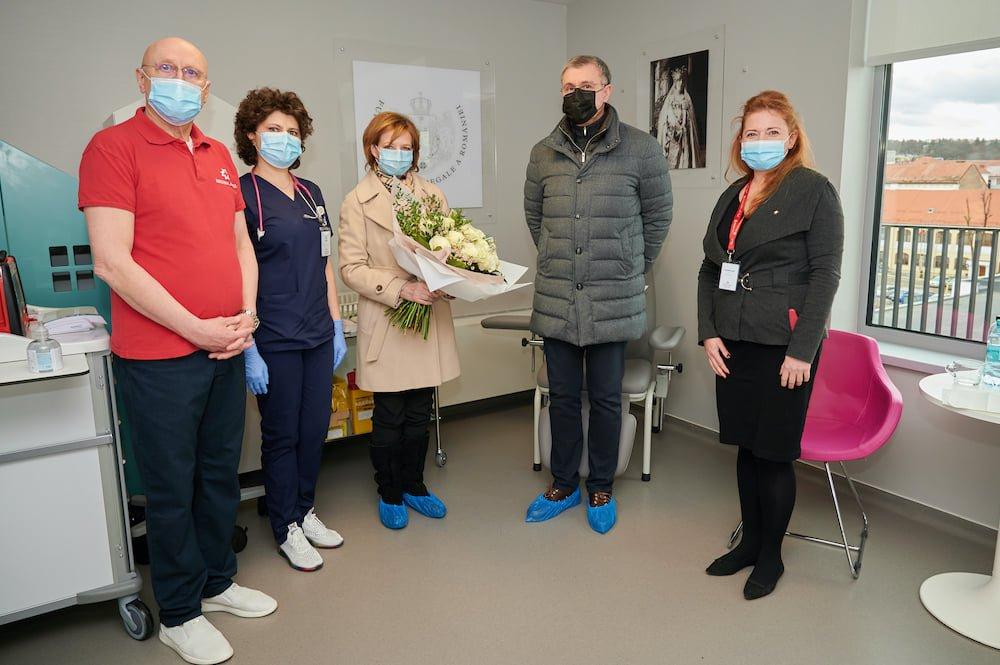 Oaspeți cu sânge regal la un spital privat din Cluj! Custodele Coroanei Regale și Principele Radu s-au vaccinat anti-COVID