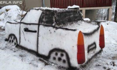 Un tânăr din Cluj a construit un trabant din zăpadă. Ideea i-a venit de la mașina sa personală