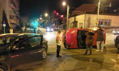 Coliziune dură în trafic, în cartierul Mărăști. Au venit descarcerarea și poliția