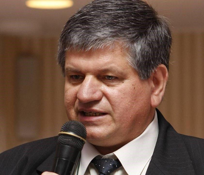 Profesor universitar cu doctorat la UBB Cluj, decedat la două saptămâni după vaccinare. Autorități: decesul nu are legătură cu vaccinul