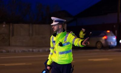 Șofer ieșit la plimbare, prins cu permis fals