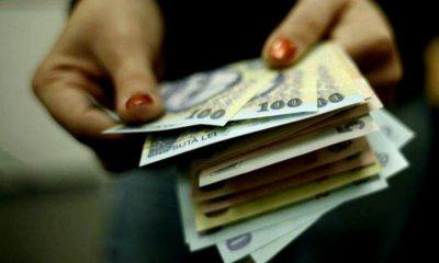 Bani găsiţi pe o stradă din Cluj-Napoca şi predaţi poliţiei. Se caută persoana care să revendice suma pierdută