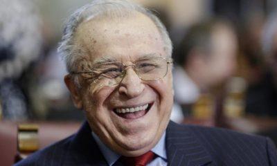 Ion Iliescu, unul dintre cei mai controversați politicieni ai României,  a împlinit astăzi 91 de ani. Cum sărbătorește
