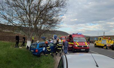 Accident cu victime în Suceagu. Coliziunea desprins bucăţi din maşini şi a lăsat în urmă oameni plini de sânge