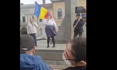 Amendă pentru organizatorul protestului anti restricţii de la Cluj, la care a participat şi Diana Șoșoacă
