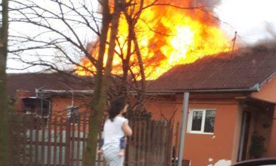 Casă cuprinsă de flăcări pe strada Giordano Bruno din Cluj-Napoca