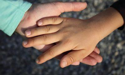 Ce se va întâmpla cu copiii înjunghiați ieri într-un sat din Cluj. Mama are un concubin care e închis