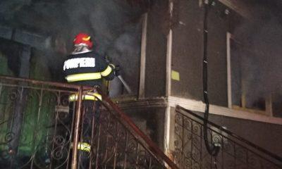 INCENDIU la Cluj: Un bărbat a ajuns cu arsuri la spital după ce casa i-a luat foc de la un reșou electric