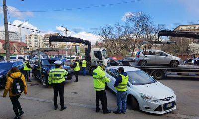"""Poliția locală, """"curățenie de primăvară"""" pe o stradă din Cluj-Napoca. Au ridicat toate mașinile parcate aiurea"""