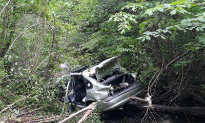 Accident Cluj. O mașină a plonjat într-un pârâu
