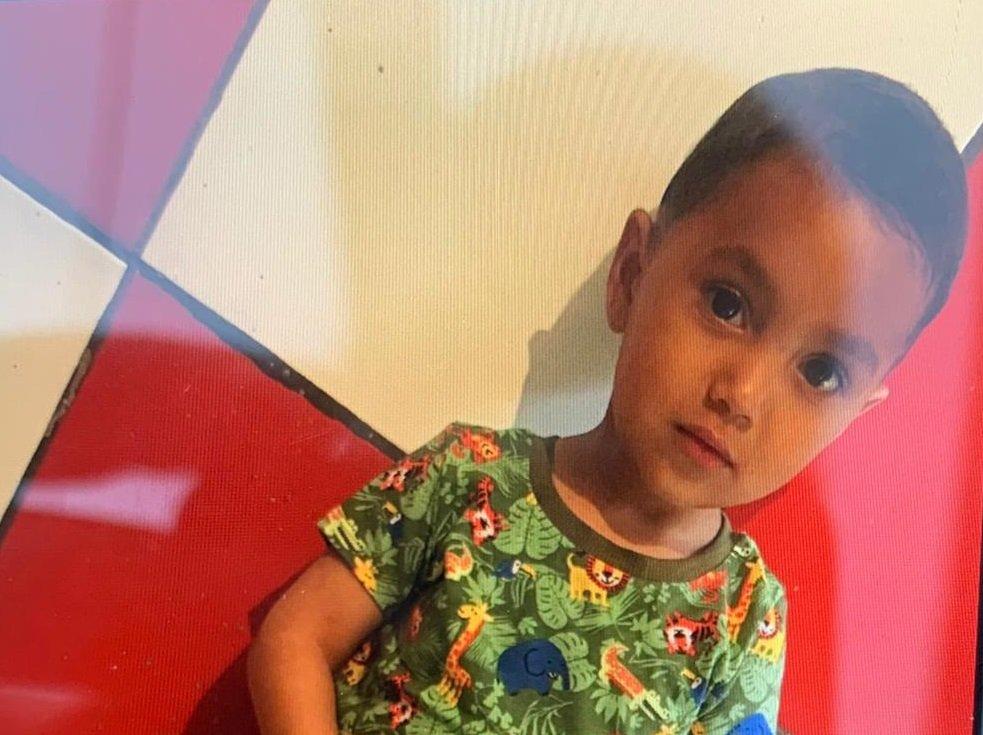 Copil de 2 ani DISPĂRUT de acasă în zona râului Someş din Floreşti. Peste 100 de oameni îl caută, inclusiv cu bărci de salvare