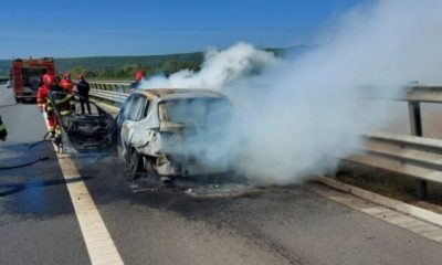 O limuzină s-a făcut scrum pe Autostrada - Sebeș Turda