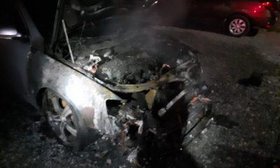O maşină s-a făcut scrum în Floreşti. Care a fost cauza incendiului
