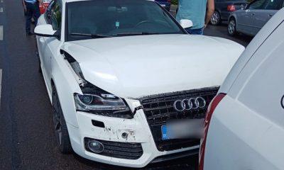 ACCIDENT cu trei maşini pa strada Traian Vuia din Cluj-Napoca. Salvatorii au descarcerat un bărbat de 60 de ani
