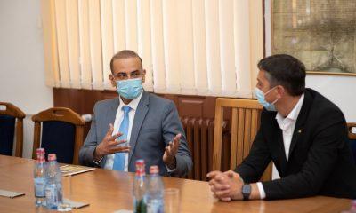 Ambasadorul Indiei în România, în vizită la Cluj-Napoca. S-a întâlnit cu Rectorul UBB