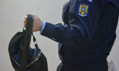 Hoț prins la un amanet din Cluj. Avea un laptop furat în geantă