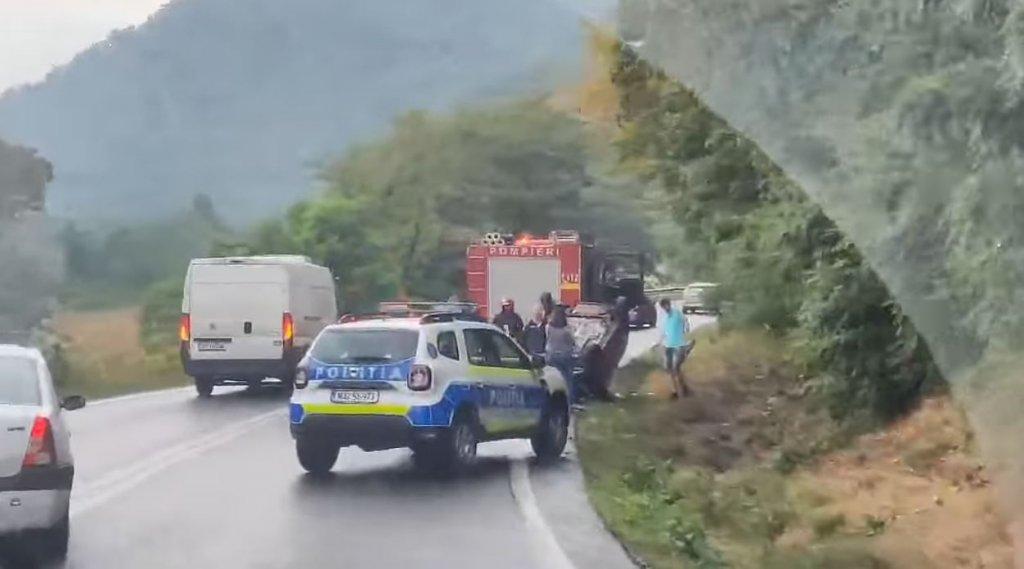 ACCIDENT: Mașină răsturnată pe Cluj - Oradea